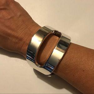 Jewelry - Silver hinged bangle bracelet